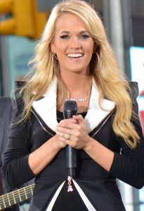 Carrie_Underwood_2,_2012