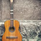En gammal gitarr